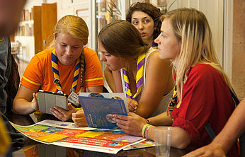 Thumbnail picture for page:  International Scout Workshop Moscow ― Video Messages